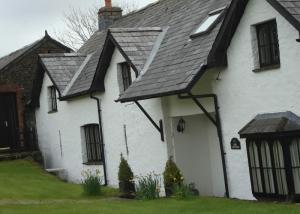 ash-cottage-painting
